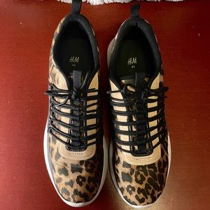 LEOPARD ATHLETIC RUNNING SNEAKERS